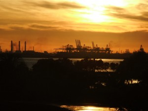 Sonnenuntergang mit Hafenromantik